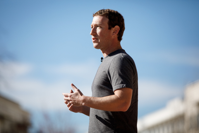 photo-mark-zuckerberg-talking-about-his-letter-to-the-community-at-facebooks-internal-quarterly-all-company-meeting