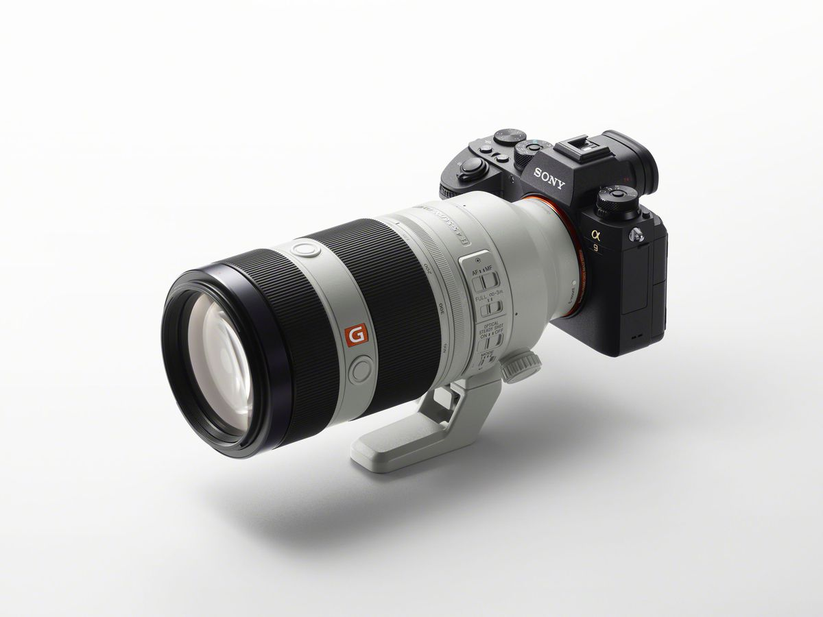 The Alpha 9, equipped with the new telephoto G Master lens.