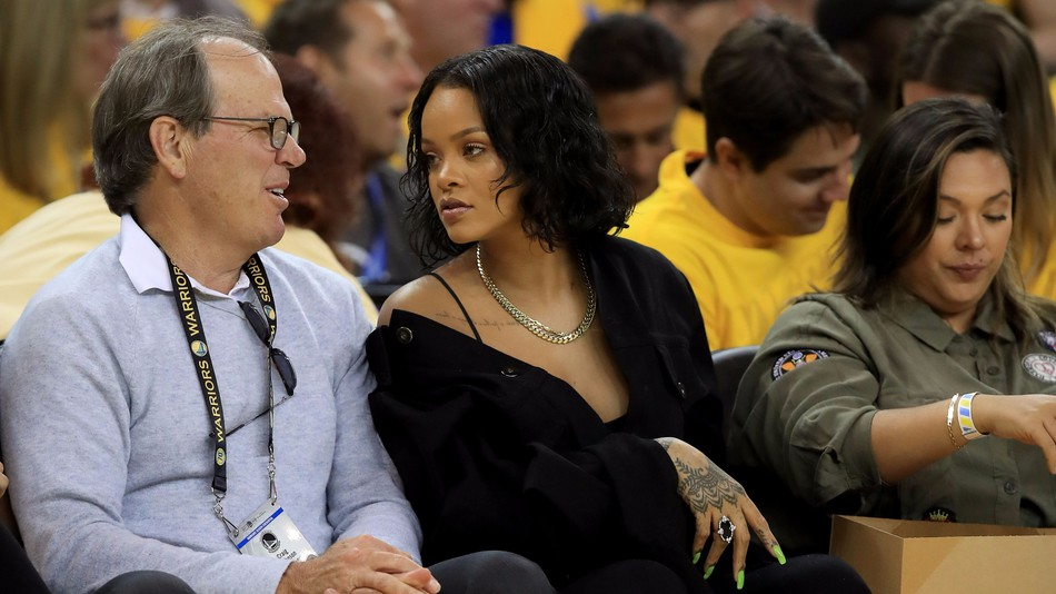 A top Apple exec just royally pissed off Rihanna fans (a.k.a. the Rihanna Navy) who now want to destroy him