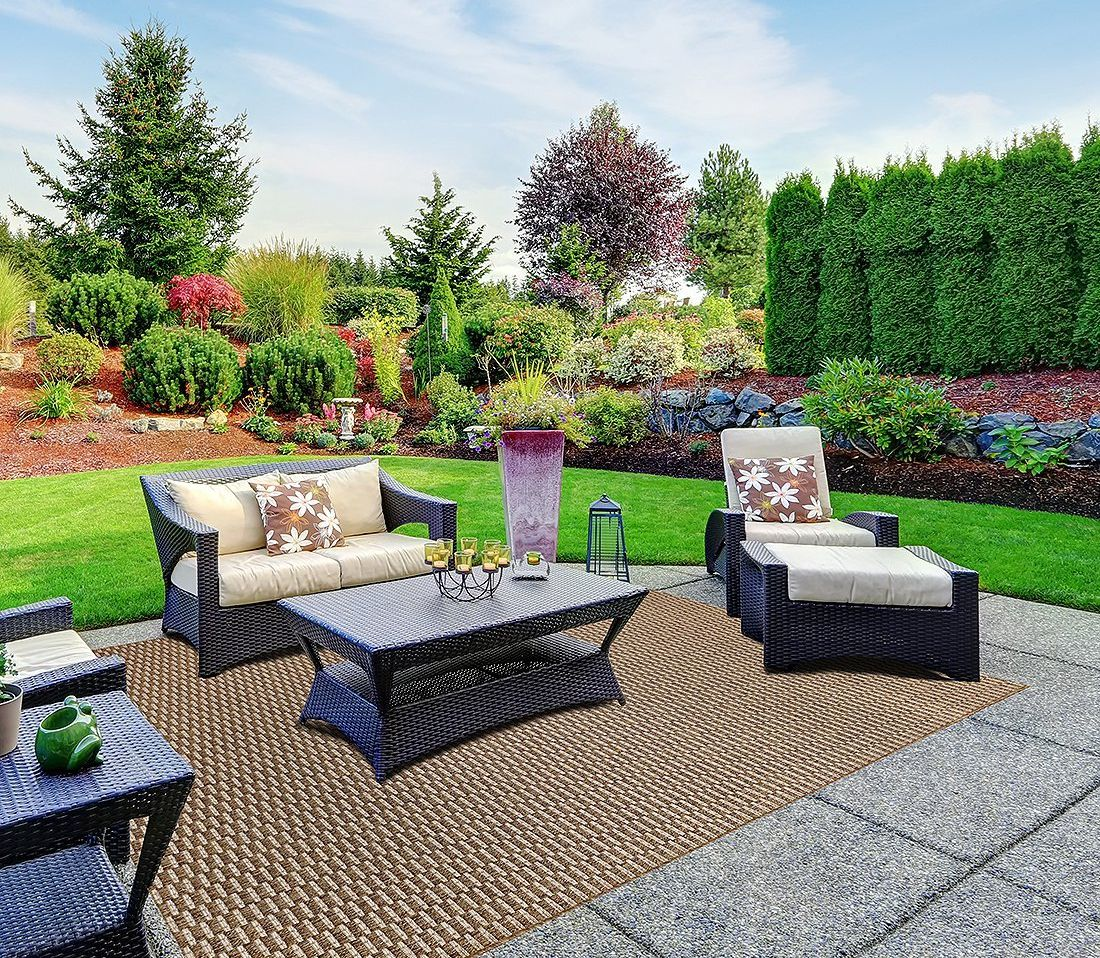 Save on outdoor patio rugs from Gertmenian.