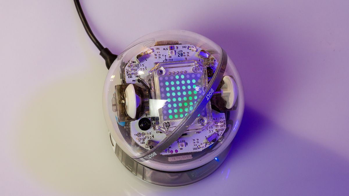 The BOLT works hand in hand with SpheroEDU, giving you three distinct modes to code and program-- BUT you now have an LED matrix built-in.