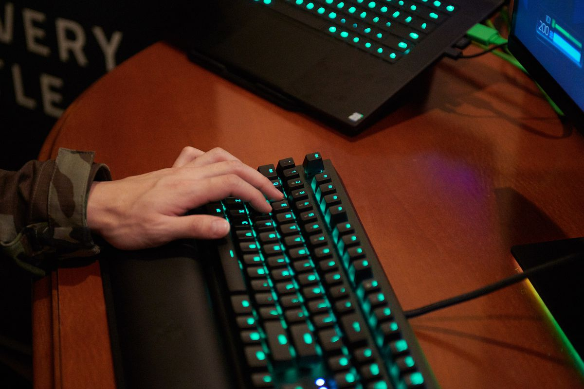 The wrist rest pad also vibrates every with your gaming action.