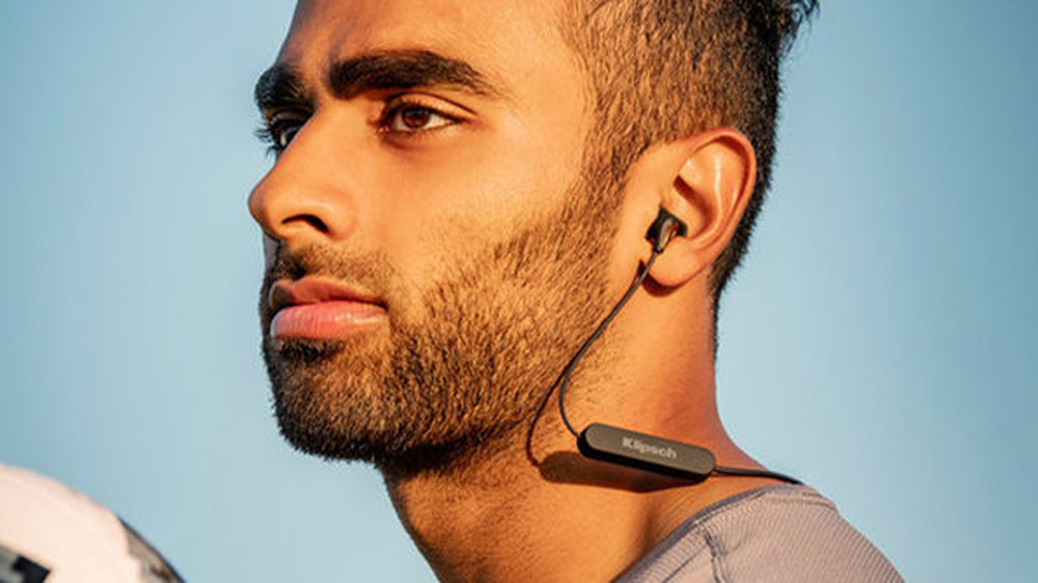 With a battery life of 8 hours, theKlipsch R5 Bluetooth headphones can keep up.