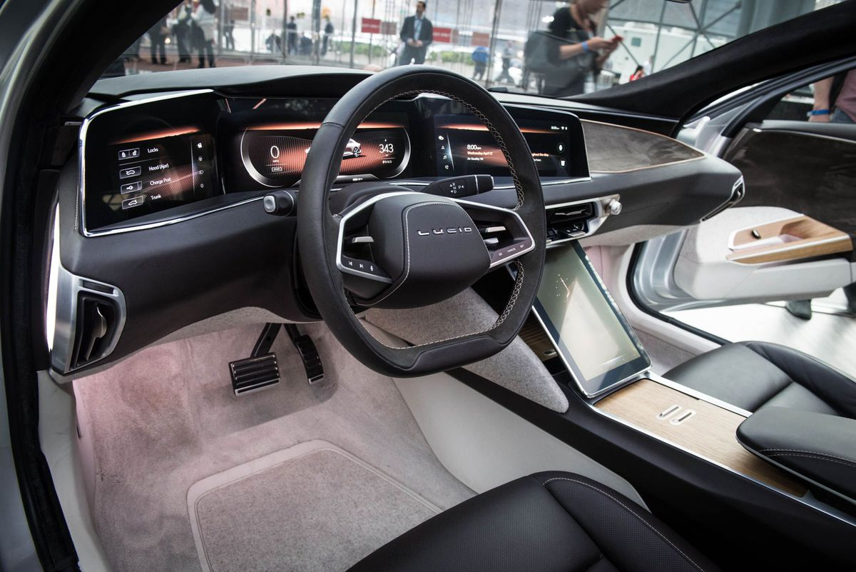sorry-tesla-but-the-lucid-air-is-way-more-luxurious-and-spacious-3.jpg