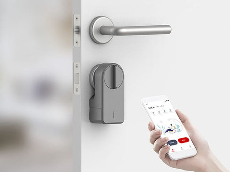 This smart door lock might be the best purchase you make this year