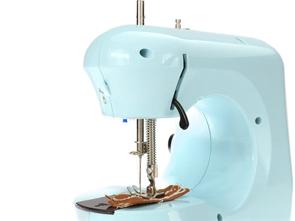 This adorable micro sewing machine is ideal for beginners